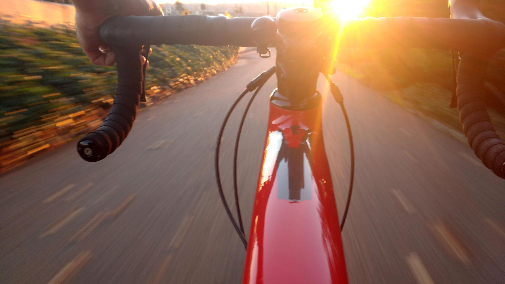 Kako se lotiti cestnega kolesarstva?